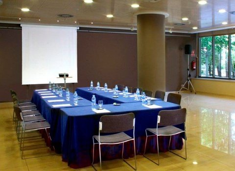 The hotel has meeting rooms for corporate events