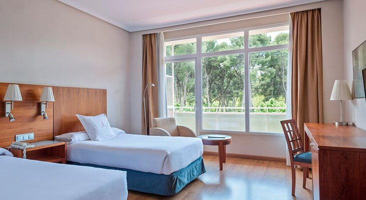 Our Hotel Sercotel Los Llanos has twin two-bedded rooms. All ...